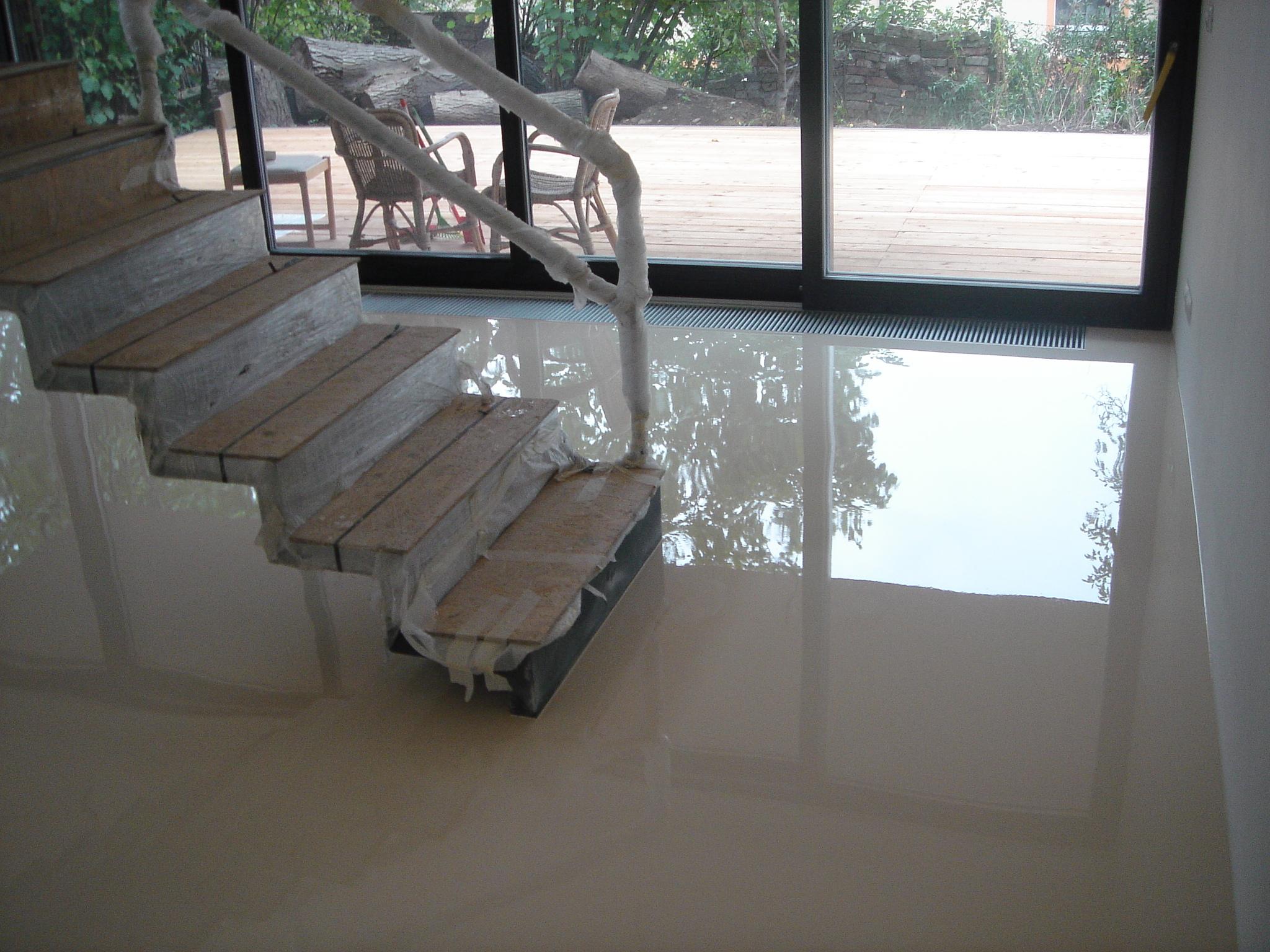 Rodinný dům - litá epoxidová podlaha